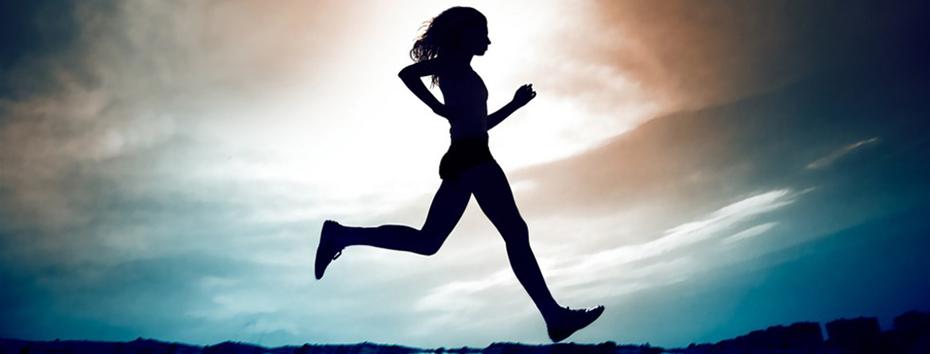 löpning i solnedgång